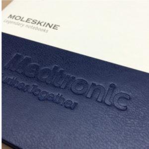moleskine-prussian-blue-logo-bedrukking