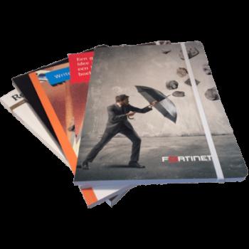 softcover notitieboek met ronde hoeken en praktische elastieksluiting
