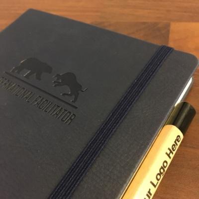 notitieboek met logo
