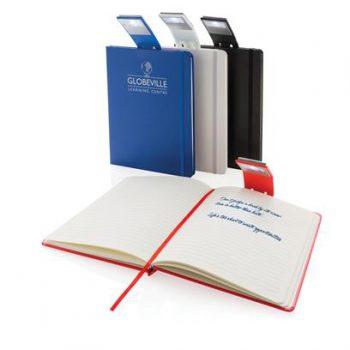 notitieboek met leeslamp bedrukt met eigen logo