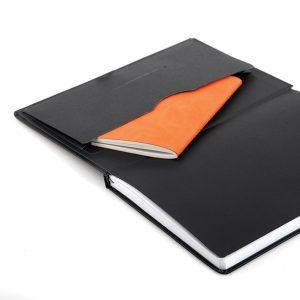 envelop achter in het boek