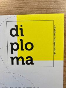 diplomapapier voorzien van echtheidskenmerken