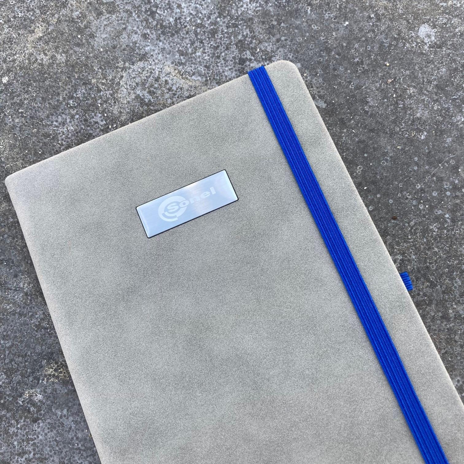 Mix&Match notitieboek Dolce suede met naamplaatje